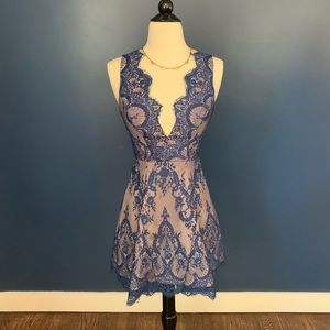 Bloomingdales Navy & Nude Lace Dress XS